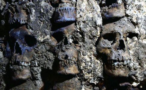 Encuentran torre de cráneos en Tenochtitlan (AFP)