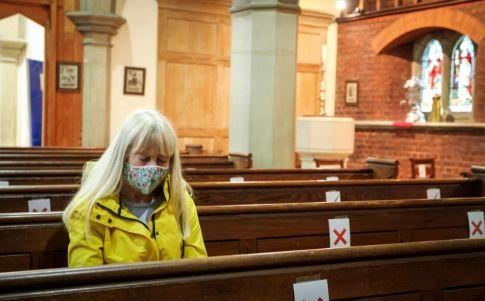 Un fallecido por COVID y 34 contagios dentro de la Iglesia del Palmar de Troya