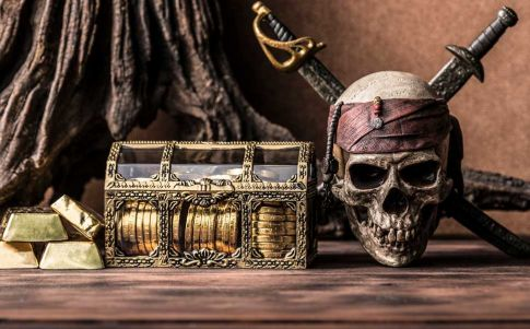 Hallan seis esqueletos de piratas en Massachusetts