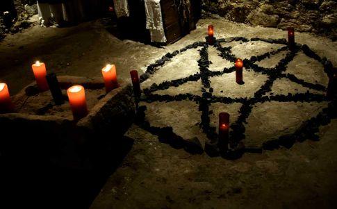 Muere descuartizado el líder de una secta satánica