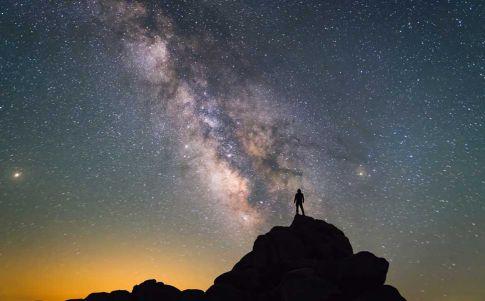 Hawking sabía dónde empezar a buscar vida ET pero no lo recomendaba