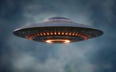 Ex Director de Inteligencia de EEUU señala que hay avistamientos OVNI sin explicación