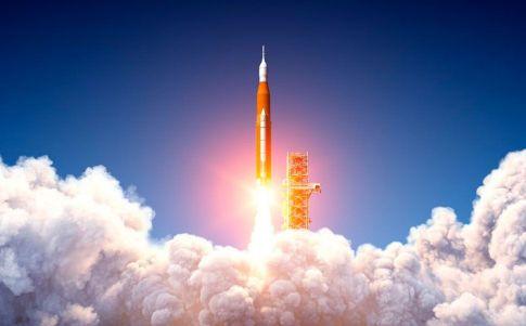 """La NASA tacha a China de """"irresponsable"""" por su gestión del cohete fuera de control"""