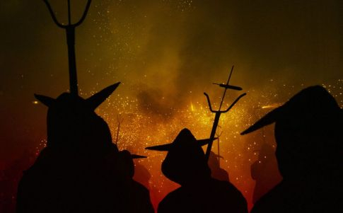 Leyendas sobre vírgenes y demonios en Cuzco