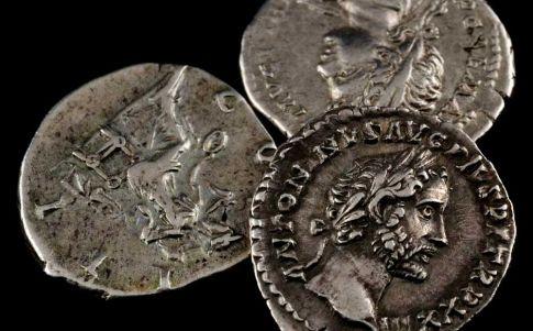 Aparecen misteriosas monedas de la Edad del Hierro en Inglaterra