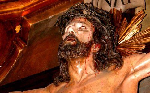Santander: el Cristo de Limpias… que mueve los ojos