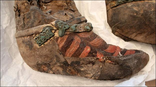 Este es el aspecto del calzado de la mujer enterrada hace 1.500 años