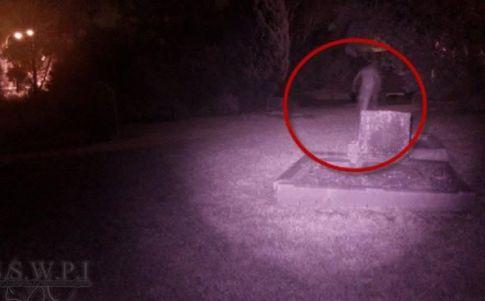 La imagen del fantasma del cementerio de St Bartholomew