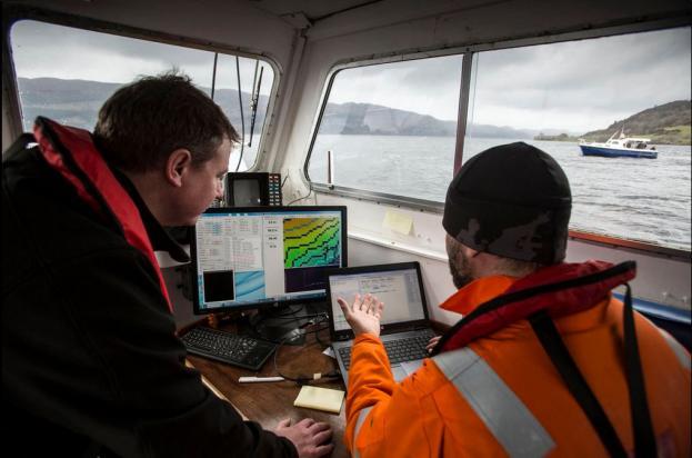 Un momento de la exploración del Lago Ness