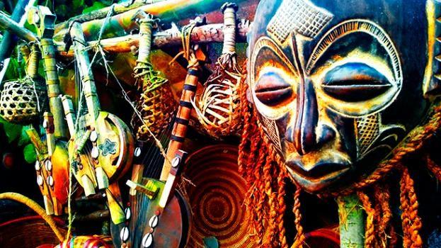 Antropología, máscara ritual tribu indígena