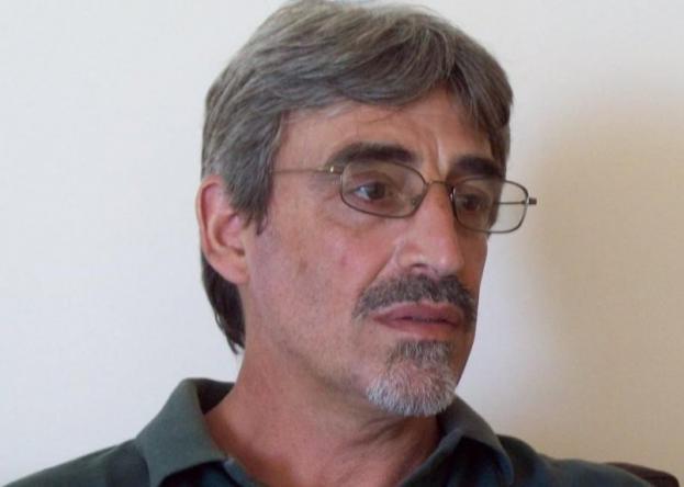 El escritor Abel Basti