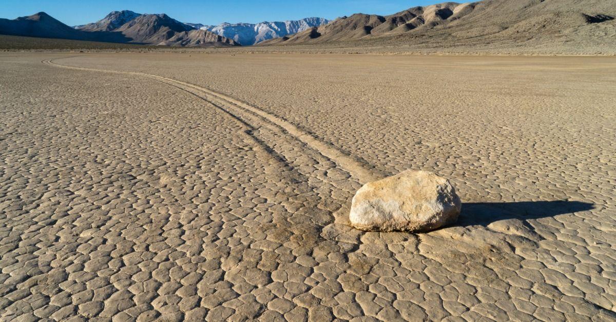 Las misteriosas piedras del Valle de la Muerte - EspacioMisterio