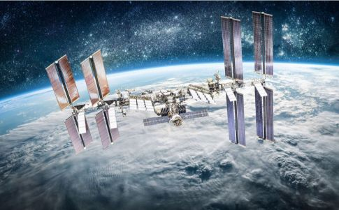 Astronauta de la Estación Espacial Internacional ve un OVNI