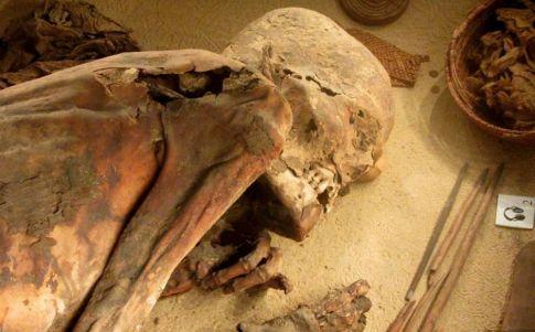 Momia de 5.600 años revela mejor la receta de embalsamamiento egipcia