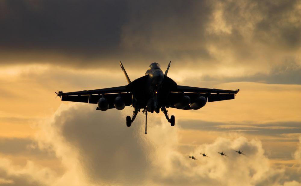 El Pentágono desclasifica un vídeo de un F18 persiguiendo un OVNI