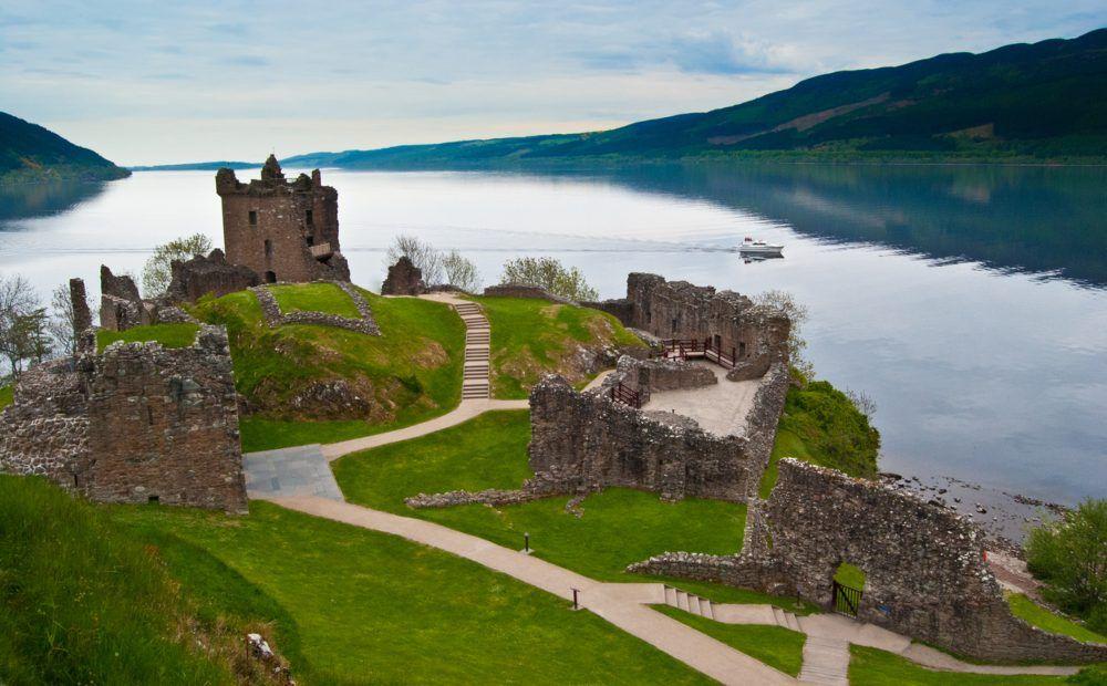 El Colegio Invisible Cap. 12: El misterio del Loch Ness y otros lagos con monstruo